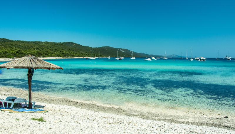 Day 4: Brgulje/Pantera bay - Mežanj / Saharun bay (sandy beach)