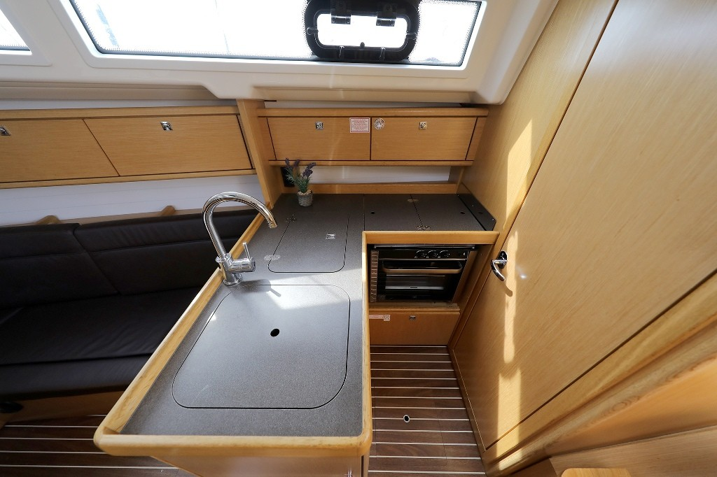 Bavaria Cruiser 34, ARIZONA