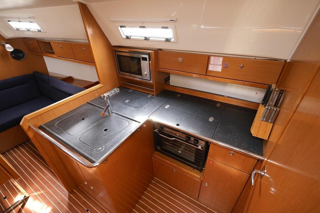 Bavaria Cruiser 36, MIRA