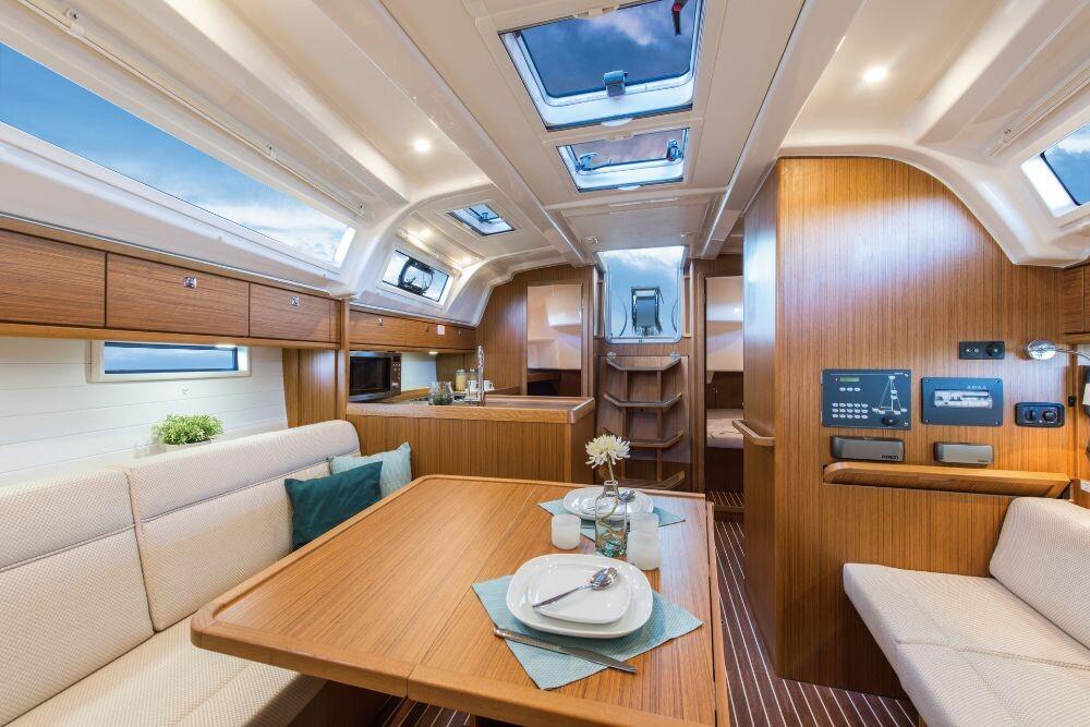 Bavaria Cruiser 37, ANGELIC
